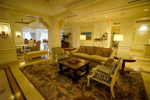 Grand-Floridian-Lobby-12