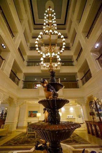 Grand-Floridian-Lobby-13