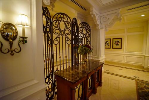 Grand-Floridian-Lobby-8