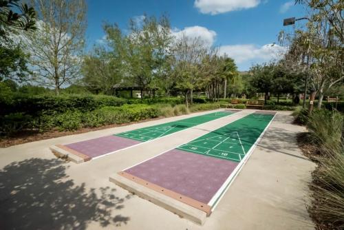 Kidani-Shuffleboard Courts