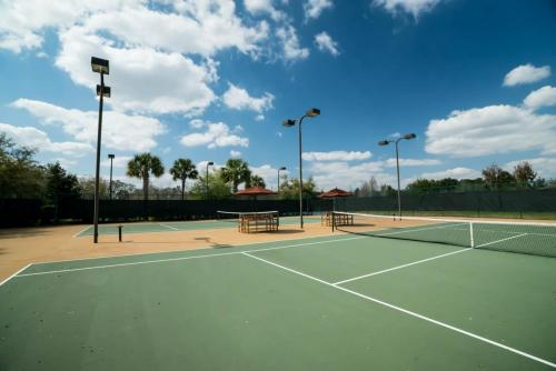 Kidani-Tennis Courts